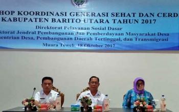 Asisten Bidang Administrasi Umum Setda Barito Utara, Fauzul Risma membuka workshop Generasi Sehat dan Cerdas