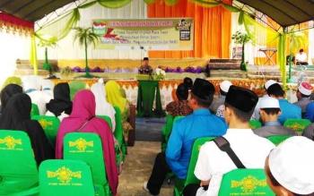 Kepala Dinas Pendidikan Kabupaten Barito Utara yang mewakil Bupati H Nadalsyah saat menghadiri Peringati Hari Santri III yang di selenggarakan di Pondok Pesantren Istiqamah Muara Teweh, Senin (23/10/2017)