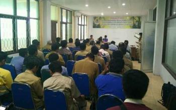 Para pejabat di Barito Utara mengikuti sosialisasi dalam rangka pengembangan kelembagaan KPHP unit VIII
