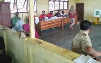 Pelaksanaan Pilkades di Desa Sungai Baru.