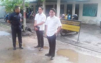 Ketua DPRD Kotim, Jhon Krisli saat menggelar reses di RSUD dr Murjani Sampit bersama anggota DPRD Kotim Hero Harapanno Mandouw