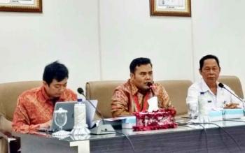 Deputi Pencegahan KPK mengadakan rapat dengan jajaran Pemkab Barito Utara, Rabu (25/10/2017)