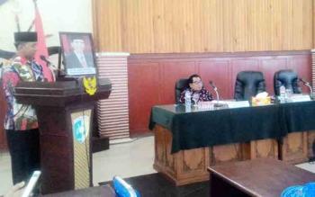 Wali Kota Palangka Raya, HM Riban Satia saat menerima kunjungan kerja rombongan Komisi D Kabupaten Kediri, Jumat (27/10/2017).
