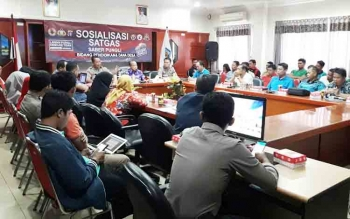 Sosialisasi penggunaan dana desa dari Tim Saber Pungli Polda Kalteng di Aula Kantor Bupati Mura, Jumat (27/10/2017).