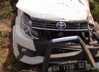Kondisi mobil Toyota Rush yang mengalami kecelakaan di Km 13, Jalan Kotawaringin Lama-Pangkalan Bun, Jumat (27/10/2017), rusak parah. Dalam peristiwa itu satu orang penumpang meninggal dunia.