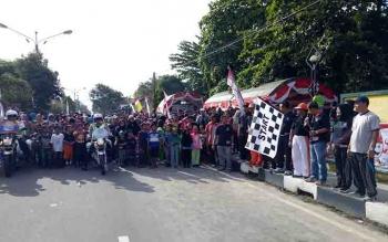 Jalan sehat yang digelar KPU Sukamara.