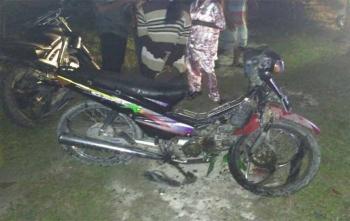 Kendaraan yang terlibat lakalantas kondisinya ringsek sementara pengendara Suprq XX yan merupakan psangan suami istri mengalami patah kaki bagian kanan
