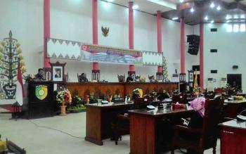 Juru Bicara tim reses DPRD Kota Palangka Raya Dapil II, Diu Husaini saat menyampaikan hasil reses di rapat paripurna.
