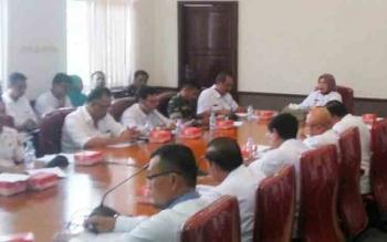 Para kepala SOPD mengikuti rapat koodinasi membahas persiapan menghadapi penilaian Adipura tahap I, Rabu (1/11/2017)