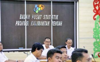 Kepala BPS Kalteng Hanif Yahya saat memberikan keterangan pers, Rabu (1/11/2017).