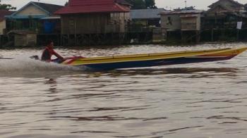 Inilah salah satu getek yang bakal mengikuti drag alkon di Sungai Arut, Pangkalan Bun, Kabupaten Kotawaringin Barat, Minggu (5/11/2017).