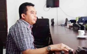 Ketua Fraksi PDI Perjuangan, Rimbun.
