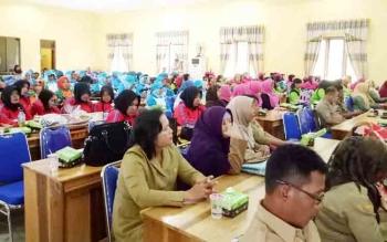 Peserta saat mengikuti pembukaan Jambore Kader PKK Kabupaten Sukamara di aula BPG Sukamara.