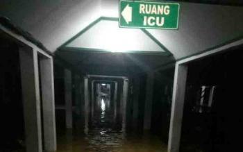 Bangunan lama di RSUD dr Murjani Sampit yang tergenang banjir.