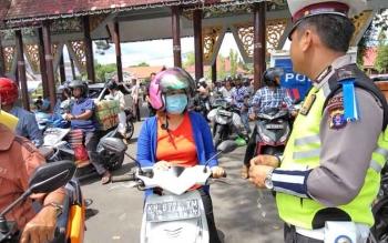 Pengendara terjaring razia di Lapangan Sanaman Mantikai, Palangka Raya, Rabu (8/11/2017).