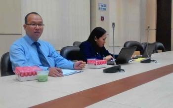 Deputi Kepala Perwakilan Bank Indonesia Setian saat menyampaikan rilis bulanan BI, Rabu (8/11/2017).