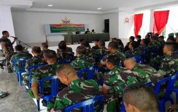 Didik saat memberikan pesan kesan selama Letkol Czi Alfius Navirinda Krisdinanto menjabat sebagai Dandim 1016 Palangka Raya, Rabu (8/11/2017)