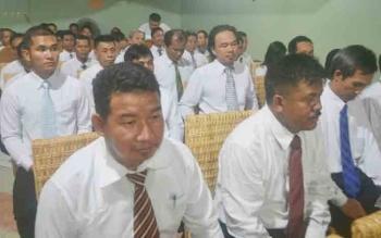Sebanyak 39 anggota Panwascam di Katingan resmi diambil sumpah janjinya, Sabtu (11/11/2017) malam.