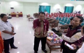 Anggota KPU Kota Palangka Raya, Harmain Ibrohim memberikan keterangan kepada wartawan, Selasa (14/11/2017)