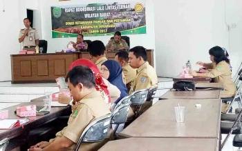 Kegiatan rapat koordinasi lalu lintas ternak Wiayah Barat yabg digelar di aula DKPP Sukamara.