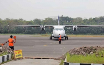 Sebuah pesawat sedang mendarat di Bandara H Asan Sampit beberapa waktu lalu