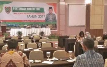 Pertemuan Mantri Tani se-Kalteng di Palangka Raya yang batal dihadiri Menteri Pertanian Andi Amran Sulaiman, Senin (13/11/2017) malam.