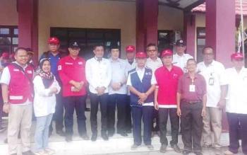 Bupati Kotim H Supian Hadi foto bersama perwakilan PMI dari sejumlah provinsi di Indonesia