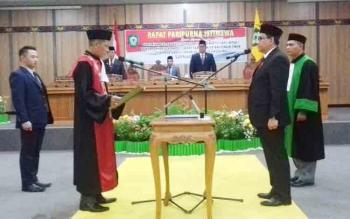 Pelantikan Wakil Ketua I DPRD Kotim Supriadi saat dilantik, Kamis (16/11/2017).