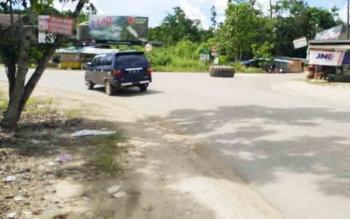 Bundaran simpang tiga di Kelurahan Jingah yang perlu diperlebar dan dibuat bundaran.