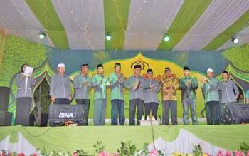 Parade Syair Maulid ke 13 se Kalimantan di Kabupaten Kapuas, Minggu (19/11/2017).