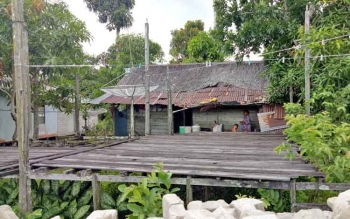 Rumah warga kurang mampu di Desa Pulau Nibung, Kecamatan Jelai, Kabupaten Sukamara.