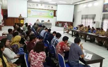Rapat Koordinasi dan Evaluasi Penguatan Satker Program Pembangunan dan Pemberdayaan Masyarakat Desa (P3MD) di aula kantor BP3D Kabupaten Gunung Mas, Senin (20/11/2017)