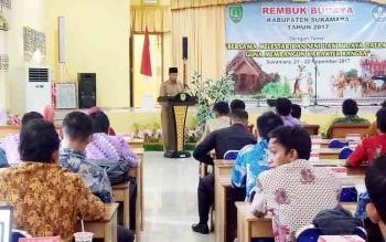 Kepala Dinas Dikbud Sukamara Ilham Massora saat menyampaikan sambutannya pada kegiatan Rembuk Kebudayaan.