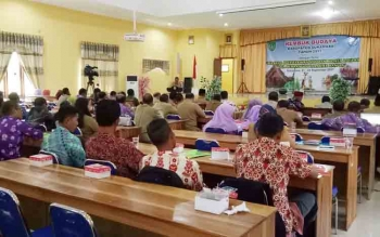 Kepala Dikbud Sukamara Ilham Massora saat menyampaikan sambutan pada kegiatan Rembuk Kebudayaan.
