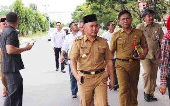 Sugianto Sabran, Gubernur Kalteng saat berkunjung ke SMA dan SMK di Kota Palangka Raya, Selasa (21/11/2017)