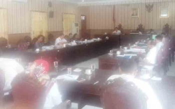 Pembahasan RAPBD 2018 di DPRD Kotim.