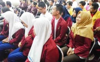 Para mahasiswa mengikuti seminar pemberdayaan wilayah pertahanan, Rabu (22/11/2017)