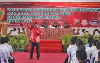 Rahmat Nasution Hamka mengkritik persoalan kebijakan dalam kewenangan membina desa.