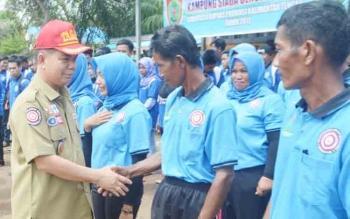 Bupati kukuhkan 290 orang pengurus Karang Taruna, KIM dan KSB.
