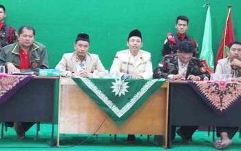 Pimpinan Pusat Pemuda Muhammadiyah, Ahmad Fanani (bicara) yang juga Ketua Panitia Pusat Tanwir II Pemuda Muhammadiyah di Palangka Raya saat gelar jumpa pers kegiatan Tanwir, Jumat (24/11/2017)