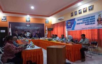KPU Kota Palangka Raya mengundang pejabat dari 10 instansi untuk membahas persiapan pelaksanaan Pilkada serentak 2018, Jumat (24/11/2017)