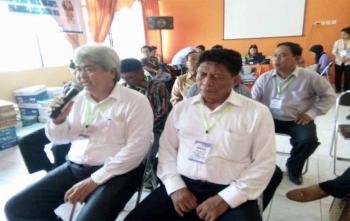 Dagut-Fitriadi Yusuf saat menjelaskan maksud dan kedatangannya ke KPU Kota Palangka Raya untuk menyerahkan dukungan pencalonan, Sabtu (25/11/2017)