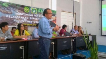Ketua Dewan Riset Nasional saat diundang memberikan kuliah umum di program doktoral UPR