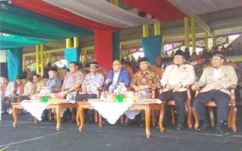 Ketua Pimpinan Pusat Muhammadiyah Haidar Nasir dan Ketua MPR RI Zulkifli Hasan menghadiri pembukaan Tanwir II Pemuda Muhammadiyah di Lapangan Sanaman Mantikei, Kota Palangka Raya, Senin (27/11/2017).