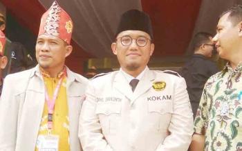 Ketua Umum Pimpinan Pusat Pemuda Muhammadiyah Dahnil Anzar Simanjuntak (tengah).