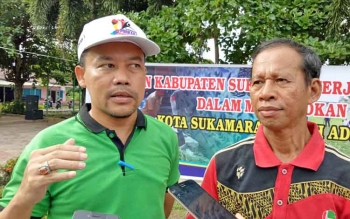 Ketua Tim Pemenangan Adipura Kabupaten Sukamara Chairuddin dan Kepala DLH Sukamara Rendy Lesmana.