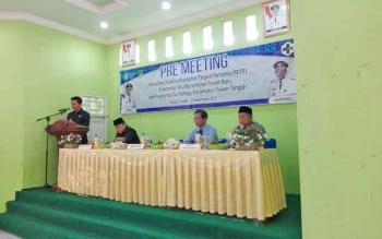 Bupati Barito Utara, Nadalsyah memberikan sambutan saat pre meeting akreditasi FKTP Puskesmas Sikui dan Sei Rahayu, Senin (27/11/2017)