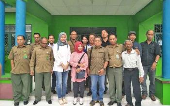 Rombongam Balai Sentarum dan Betung Kerihun Kalimantan Barat, melakukan studi banding untuk mempelajari konsep ekowisata di TNTP.