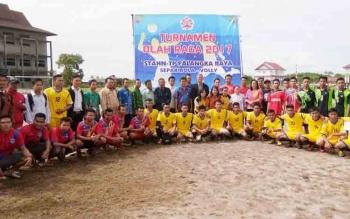 Pembukaan turnamen olahraga yang diselengarakan STAHN-TP Palangka Raya, Selasa (28/11/2017).
