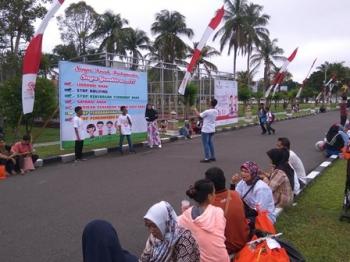 Sejumlah anak saat peringatan Hari Anak Nasional di halaman rumah jabatan gubernur Kalteng di Kota Palangka Raya, pekan lalu.